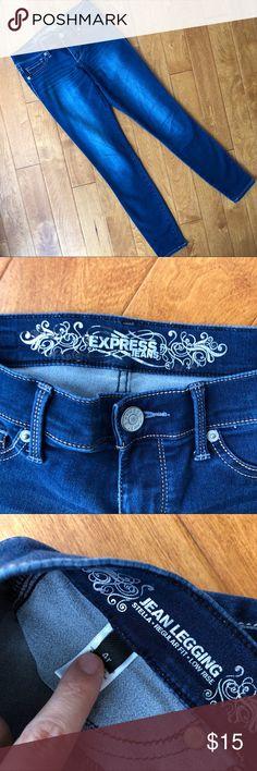 Low rise jeggings, express jeans, regular fit Regular length, jean leggings, size 4Runner Express Jeans Skinny
