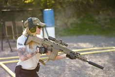 Cait Dallas with her SCAR 17 .308 7.62x51