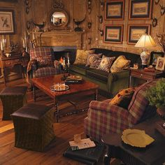 Rustic cabin decorating ideas lodge decorating ideas rustic lodge decor hunting lodge decor entry rustic with brick floor lamps small lodge decorating ideas Hunting Lodge Decor, Rustic Lodge Decor, Rustic Cottage, Hunting Lodge Interiors, Farmhouse Decor, Hunting Rooms, My Living Room, Living Room Decor, Small Living