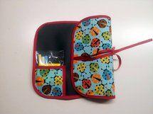 PIZARRAS ENROLLABLES DE TELA - Otros juguetes Busy Book, Sunglasses Case, Diy Ideas, Bb, Sewing, Tela, Kids Birthday Surprises, Chalkboards, Boy's Day