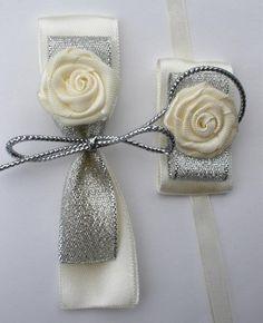 Corsage Wedding, Wedding Bows, Handmade Wedding Favours, Diy Bow, Wedding Decorations, Diy Crafts, Gowns, Weddings, Flowers