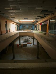 Completely Surreal Photos Of America's Abandoned Malls There are so many locations just begging for The Zombie Takeover! http://www.buzzfeed.com/mjs538/completely-surreal-pictures-of-americas-abandoned-malls