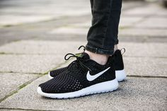 "Nike Roshe One Flight Weight (GS) ""Black/White"" (705485-008) - http://goo.gl/QlO8TI"