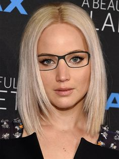43 Ideas For Hair Short Blonde Bob Jennifer Lawrence Hairstyles For Round Faces, Hairstyles With Bangs, Trendy Hairstyles, Hairstyles 2018, Celebrity Hairstyles, Jennifer Lawrence Short Hair, Jennifer Lawrence Makeup, Medium Hair Styles, Short Hair Styles