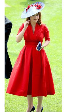 The Princess Eugenie looked elegant in a tailored red dress and blue hat with scarlet flower details on Ladies Day of Royal Ascot 2017 at England's Ascot Racecourse in June Photo: WENN Ascot Dresses, Royal Dresses, Ascot Outfits 2017, African Fashion Dresses, African Dress, Princesa Eugenie, Princess Eugenie And Beatrice, Eugenie Of York, Royal Fashion