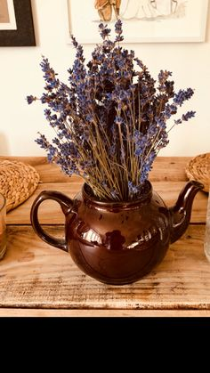Cheeky little teapot flower decor