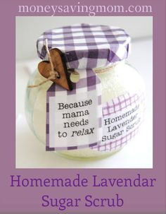 Homemade Lavender Sugar Scrub Homemade Sugar Scrubs in Decorated Jars - this would be great when you needed gifts for co-workers.Homemade Sugar Scrubs in Decorated Jars - this would be great when you needed gifts for co-workers. Sugar Scrub Homemade, Sugar Scrub Recipe, Zucker Schrubben Diy, Diy Cadeau Noel, Lavender Sugar Scrub, Pot Mason, Mason Jar, Little Presents, Xmas Presents