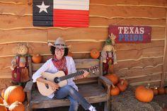 Rodeada de calabazas!! #music #halloween #guitarra
