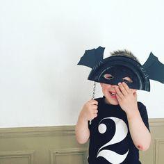 {DIY} 15 modèles de masques à réaliser avec des assiettes en carton! Purim Costumes, Marie Claire, Mardi Gras, Diy For Kids, Fun Activities, Saddle Bags, Riding Helmets, Wordpress, Occasion