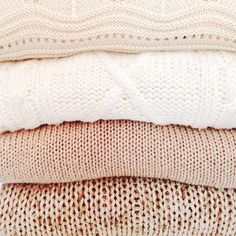 Cozy knits in a neutral palette Essie, Mode Rose, Cool Style, My Style, Vogue, Nude Color, Winter Wardrobe, Sweater Weather, Color Inspiration