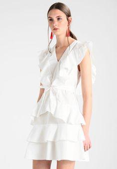dd304108b9f3 YASAYA DRESS - Hverdagskjoler - snow white   Zalando.dk 🛒