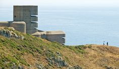 A German observation tower from World War II on the south coast cliffs of Guernsey. Survival Life, Wilderness Survival, Survival Skills, Bunker Hill Los Angeles, Bunker Hill Monument, Doomsday Bunker, Bailiwick Of Guernsey, Guernsey Island, Underground Bunker