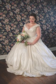 6e4373cacd2fc 631 Best Curvy Bride images in 2019