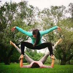 Friday is here! Time to jump and Shout! Grab your #AcroYoga partner and show us what you are about! Thanks for sharing your #AYlifestyle @LadyBase_ and @IdeFireFly keep up the Artful #AYlifestyle