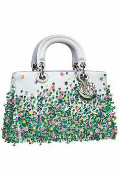 Update as of September 2014 Introducing the Dior Fall/Winter 2014 Bag Collection. The collection first appeared in the Dior Runway Dior Purses, Dior Handbags, Fashion Handbags, Tote Handbags, Purses And Handbags, Fashion Bags, Dior Bags, Fashion 2017, Beautiful Handbags