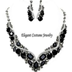 Elegant Black necklace ($39) ❤ liked on Polyvore featuring jewelry, necklaces, statement necklace, costume jewelry, jewel necklace, chunky costume jewelry and chunky jewelry
