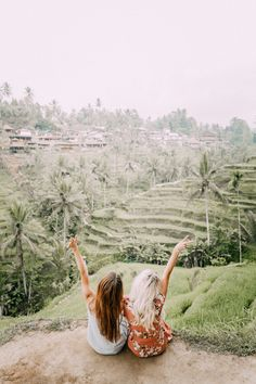 Today I am sharing a mini travel guide from our trip to Bali! All our favorite restaurants, things to do and things to see wrapped up in one blog post!
