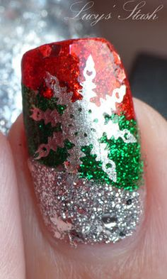 Readers' Request: Christmas manicure - Lucy s Stash #nails #nailart