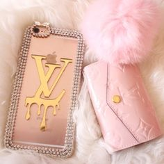 Find images and videos about pink, girly and iphone on We Heart It - the app to get lost in what you love. Cute Cases, Cute Phone Cases, Iphone Phone Cases, Bling Phone Cases, Iphone Skins, Portable Apple, Accessoires Iphone, Glamour, Everything Pink