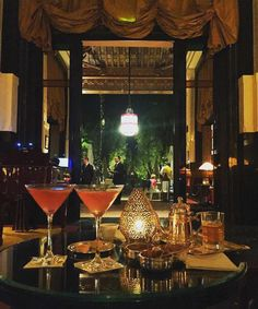 #perfectevening in #lamamouniamarrakech  #LaMamouniaLife is the best life... @mikhalich_a photography #mamounia #mamounia_hotel #lamamounia #evening #bar #inatagood #Maroc #marrakech #Morocco #travelstyle #travel #Luxe #luxury #Love