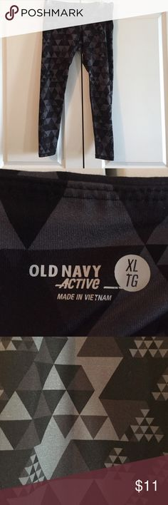 Old Navy Workout Leggings Length 35 inches waist across 17 inches 85% Polyester 15% elastane Old Navy Pants Leggings