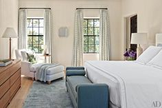 Find home décor inspiration at Architectural Digest. Everything you'll need to design each and every room in your house, from the kitchen to the master suite. Architectural Digest, Clad Home, New York Architecture, Architecture Interiors, Snug Room, Outdoor Living Rooms, Bedroom Seating, Living Room With Fireplace, Contemporary Bedroom
