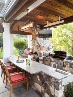 A beer and a pizza, cooked up in this home& outdoor pizza oven, are just th. - Patio P. - A beer and a pizza, cooked up in this home& outdoor pizza oven, are just th… – Patio Proj - Rustic Outdoor Kitchens, Outdoor Kitchen Patio, Outdoor Kitchen Design, Patio Design, Kitchen Decor, Outdoor Living, Back Patio Kitchen Ideas, Outdoor Cooking Area, Outdoor Oven