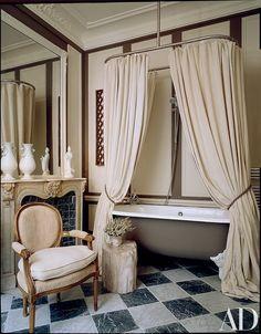 Modern Luxury Bathroom Design Ideas For Your Home | Www.bocadolobo.com  #bocadolobo