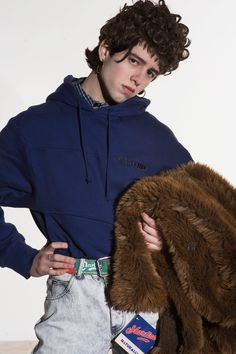 Martine Rose Fall 2018 Menswear collection, runway looks, beauty, models, and reviews.