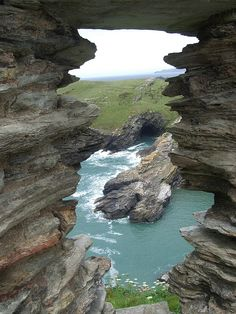 View from Tintagel Castle in Cornwall, England (by npraities).