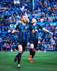 Stefan De Vrij & Milan Skriniar (Milan 2 - Inter 3, Serie A 18.03.2019) Football Love, Football Design, Football Team, Soccer Teams, Milan Wallpaper, Lewandowski, Neymar, Ronaldo, Superstar