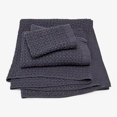 With a waffle-like texture that is soft and airy, these 100% cotton towels are highly absorbent and fast drying. Gently woven on an old-fashioned loom, each towel is then softened to relax the cotton fibers. This unique production method results in a fabric with a thicker appearance and reduces shrinkage. Made in Imabari, Japan.