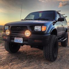 ALL black 1st gen Tacoma's - Page 4 - Tacoma World Forums