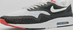 Nike Air Max 1 Breathe Quickstrike London City Nike present these Air Max 1 Breathe London from the City Pack. The shoe is constructed from a lightweight mesh upper with with Nike Hyperfuse/TAPE technology giving a seamless finish with added venti http://www.comparestoreprices.co.uk/shoes/nike-air-max-1-breathe-quickstrike-london-city.asp