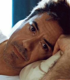 Robert Downey Jr: I need to see that every waking moment in the morning and He reminds me that I'm okay ❤️❤️❤️ Sherlock Holmes Robert Downey, Robert Downey Jr., Robert Rock, Robert Jr, James Dean, Downey Junior, Marvel, Tony Stark, Belle Photo