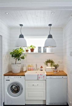great idea for a small laundry room - Laundry Folding Table