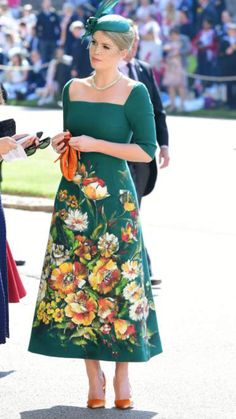 Lady Kitty Spencer in Dolce and Gabbana from Meghan Markle and Prince Harry's Royal Wedding Guests Kitty Spencer Royal Wedding, Princess Diana Niece, Princess Kate, Beautiful Dresses, Nice Dresses, Dama Dresses, Estilo Real, Retro Mode, Wedding Makeup Looks