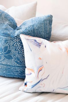 DIY Printed Marbled PIllows with Shutterfly | HonestlyWTF