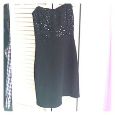 Mini black dress Mini black sequin dress from Windsor never worn except to try on! Great for a party or a night out! WINDSOR Dresses Mini