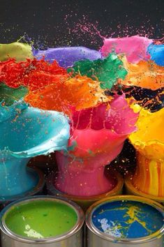 Fab paint splash of colours! Great colourful inspiration for colour lovers! Happy Colors, True Colors, All The Colors, Vibrant Colors, Colours, Colorful, Color Splash, Paint Splash, Color Pop