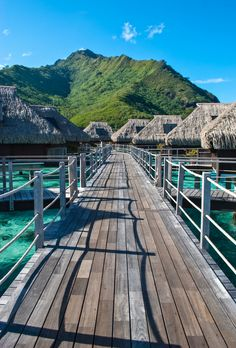 Overwater bungalows - Moorea, French Polynesia