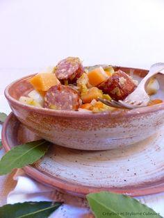 Avec le retour des soirées fraîches, rien ne vaut une cuisine sans gluten réconfortante. Cette potée de légumes d'automne est un exemple de plat familial, facile à préparer et sympathique à partager.