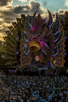 illusionsarehope: Mysteryland 2014 This stage is amazing! Tomorrow Land, Techno, Tomorrowland Festival, Edm Music Festivals, Defqon 1, Concert Stage Design, Lollapalooza, Stage Set Design, Hardcore