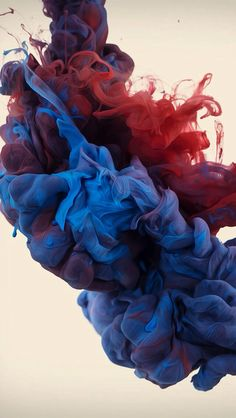 In his ongoing exploration with high-speed photography and color, Alberto Seveso drops plumes of ink into water and captures the results. Of Wallpaper, Wallpaper Backgrounds, Smoke Wallpaper, Car Backgrounds, Hipster Wallpaper, High Speed Photography, Photography Photos, Samsung Galaxy Wallpaper, Ink In Water