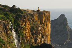 A Rota Vicentina é uma grande rota pedestre no Sw de Portugal, entre Santiago do Cacém e o Cabo de S. Vicente, totalizando mais de 350 km. - See more at: http://www.rotavicentina.com/#sthash.NrEewCnZ.dpuf