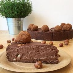 Ferrero Rocher (wegańskie, bez cukru, bez glutenu) Healthy Cake, Vegan Cake, Healthy Sweets, Gluten Free Angel Food Cake, Gluten Free Sweets, Köstliche Desserts, Delicious Desserts, Yummy Food, Raw Food Recipes