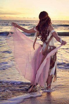 coisa de mulher...entre outras coisas...: momentos inesquecíveis... ...A fantasia do momento inesquecível nos deixa em liberdade absoluta, até os trapos ficam lindos, combinam e embelezam... figura reproduzida MOMENTO RELEMBRANDO PARA NÃO ESQUECER***