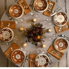 pale oranges and greens for a modern Thanksgiving table / #fresh ...