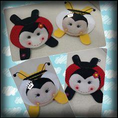 Tapetes para caneca ou copo Cute Coasters, Felt Coasters, Felt Crafts, Diy And Crafts, Tea Coaster, Felt House, Art N Craft, Felt Patterns, Mug Rugs