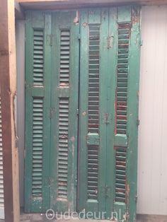 nr. 33 set van vier groene louvre deuren